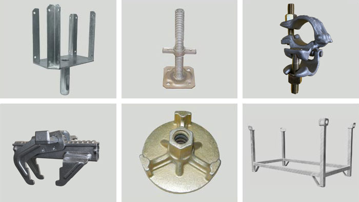 Accessories for scaffoldings and props