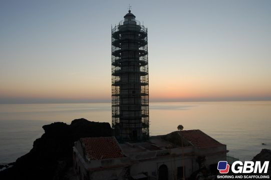 RENOVATION D\'UN PHARE 1