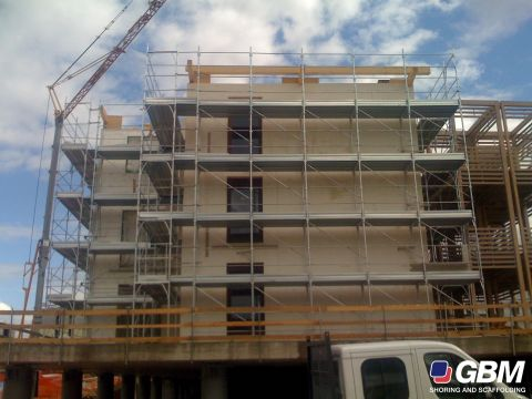 SCAFFOLD CONSTRUCTION SITES IN L\'AQUILA