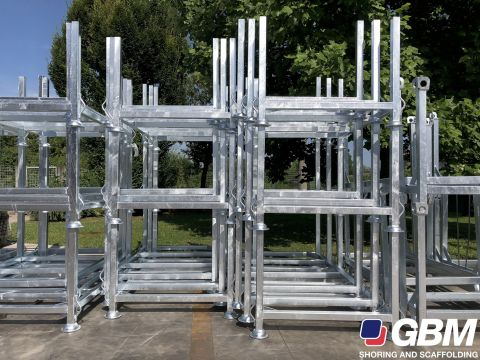 GALVANISED PALLETS FOR PROPS 1