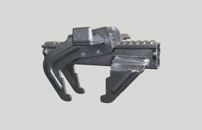 Adjustable steel clamp for formwork